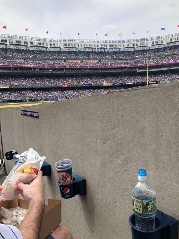 Yankee Stadium, secção: 110, fila: 3, lugar: 1