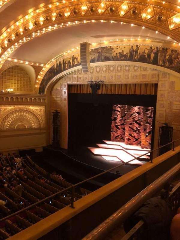 Auditorium Theatre, secção: Fbl-r, fila: B, lugar: 105