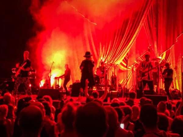 PNC Music Pavilion, secção: 1, fila: M, lugar: 20