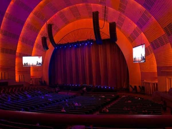 Radio City Music Hall, secção: 1st Mezzanine 1, fila: BB, lugar: 107