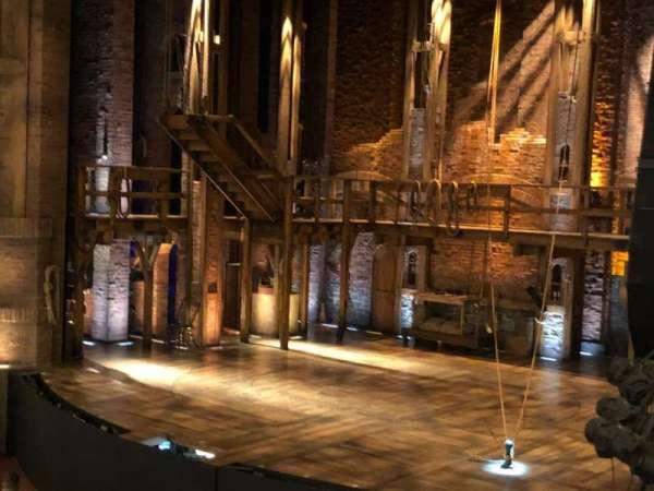 CIBC Theatre, secção: Dress Circle Box 2, fila: BX2, lugar: 206-208