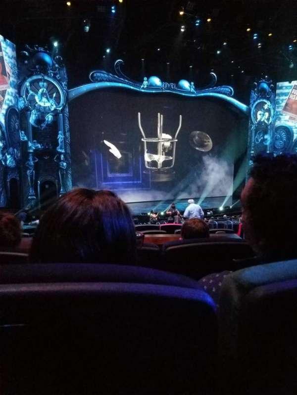 Michael Jackson One Theatre, secção: 201, fila: DD, lugar: 13