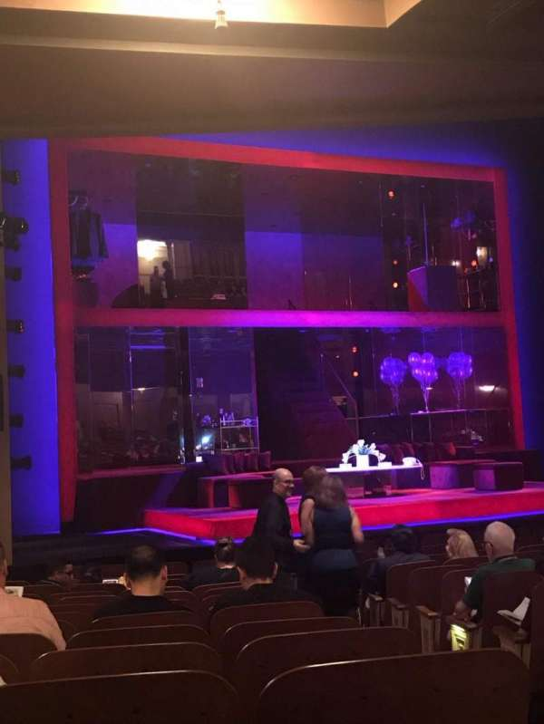 Booth Theatre, secção: Orchestra L, fila: N, lugar: 5