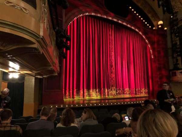 Shubert Theatre, secção: Orchestra L, fila: L, lugar: 21-23