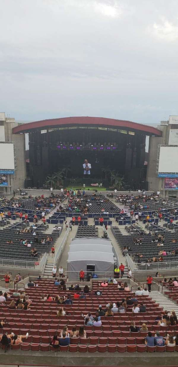 Jones Beach Theater, secção: 22, fila: A, lugar: 10