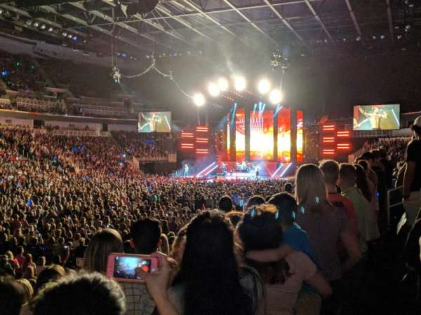 Intrust Bank Arena, secção: 105, fila: L, lugar: 12