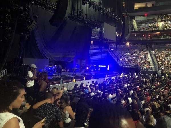 T-Mobile Arena, secção: 4, fila: D, lugar: 11