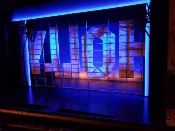 Nederlander Theatre, secção: Mezzanine R, fila: A, lugar: 2