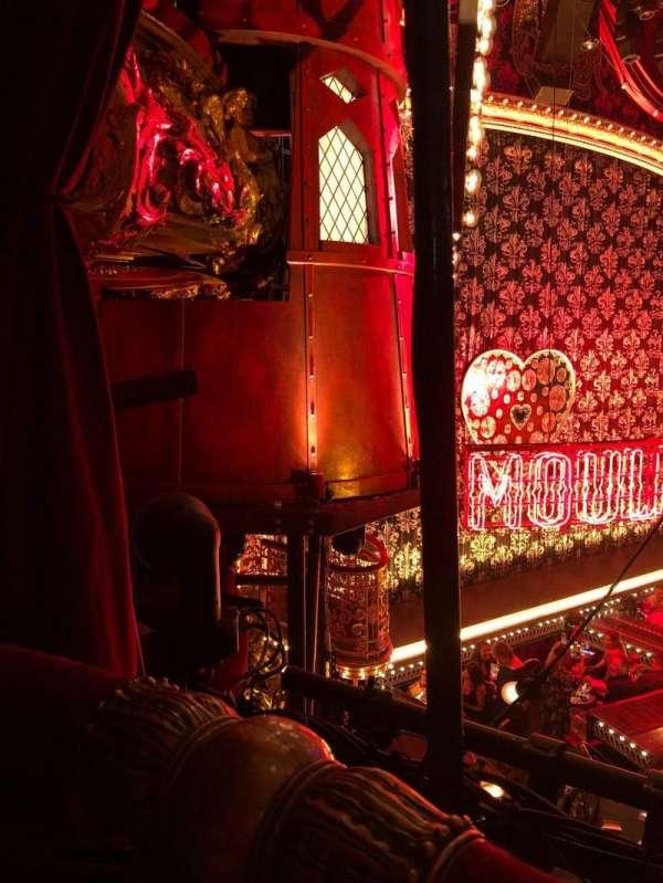 Emerson Colonial Theatre, secção: Dress circle, fila: A, lugar: 23 and 25