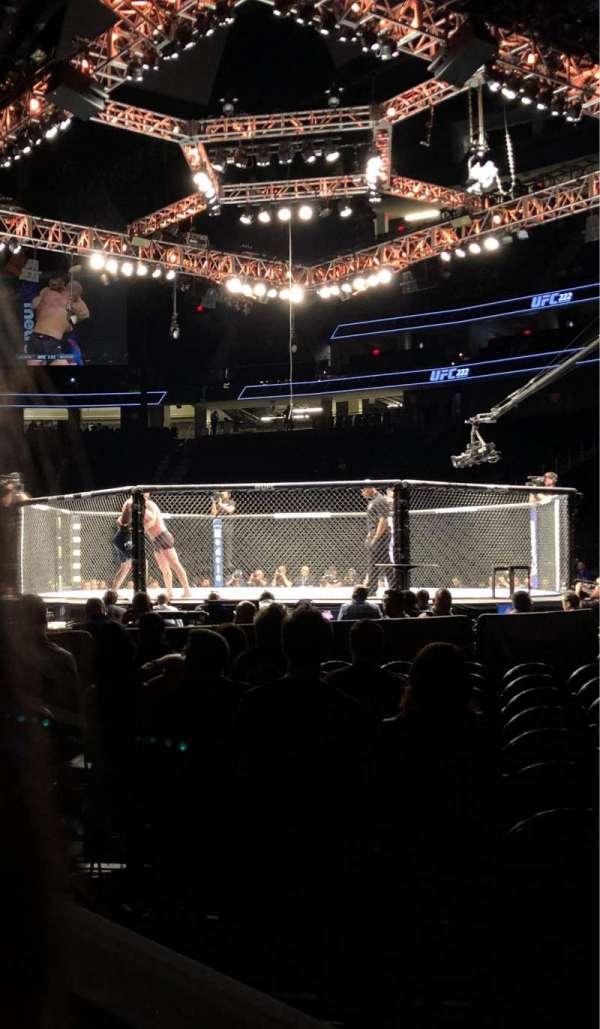 T-Mobile Arena, secção: 7, fila: 2, lugar: 1