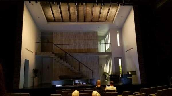 Laura Pels Theatre, secção: Orchestra, fila: K, lugar: 109