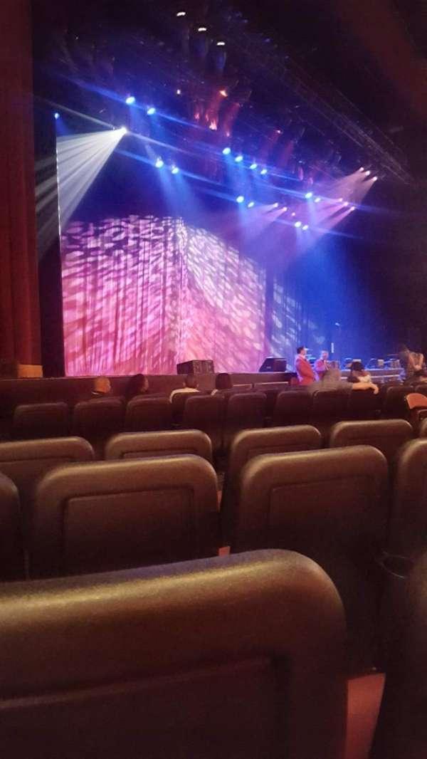 Microsoft Theater, secção: Orchestra Left, fila: E, lugar: 511
