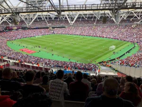 London stadium , secção: 214, fila: 70, lugar: 233