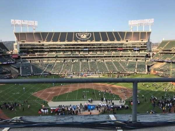 Oakland Coliseum, secção: 317, fila: 1, lugar: 10