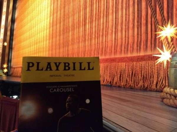 Imperial Theatre, secção: Orchestra R, fila: A, lugar: 12