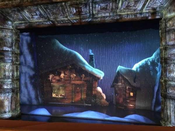 St. James Theatre, secção: Mezzanine C, fila: A, lugar: 103