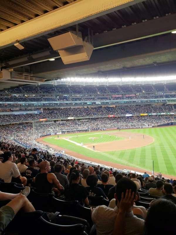 Yankee Stadium, secção: 210, fila: 22, lugar: 10