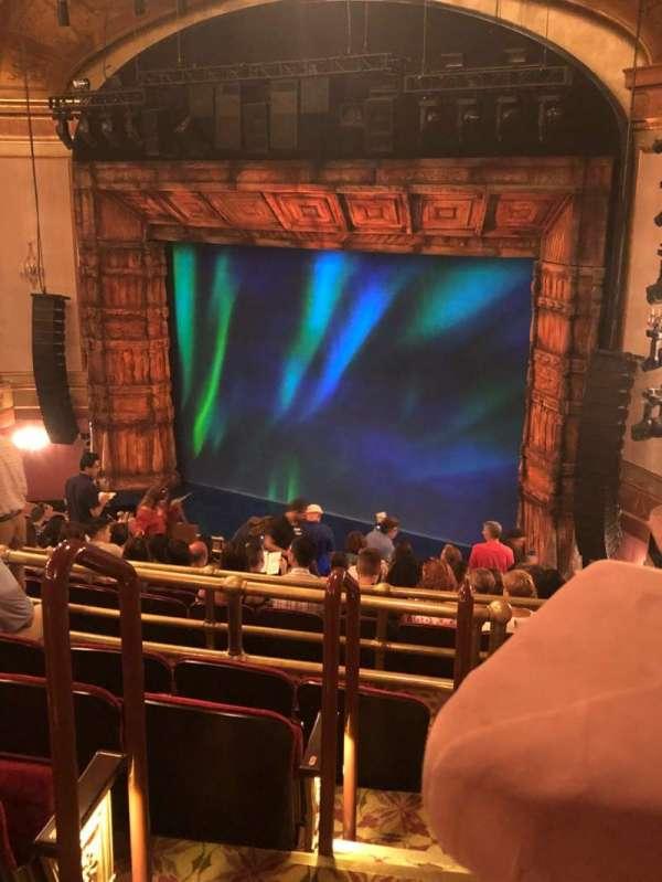 St. James Theatre, secção: Mezzanine R, fila: N, lugar: 30