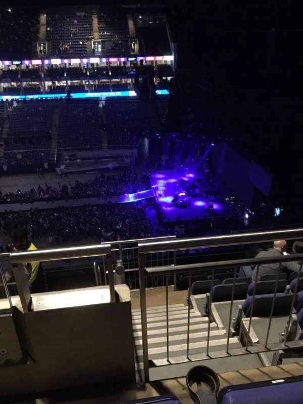 The O2 Arena, secção: 421, fila: H, lugar: 957