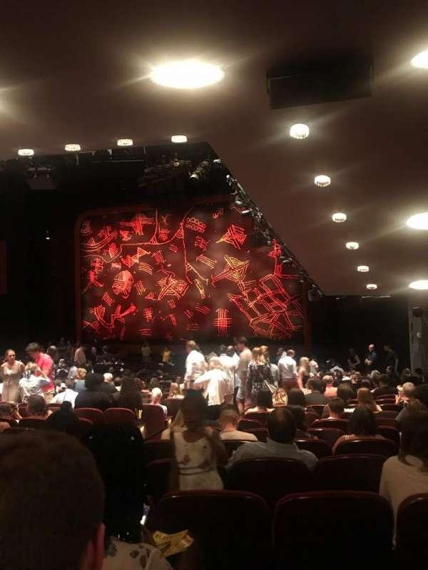 Minskoff Theatre, secção: Orchestra R, fila: YY, lugar: 10