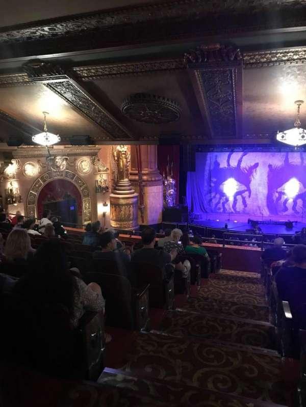 Beacon Theatre, secção: Life 2, fila: F, lugar: 6