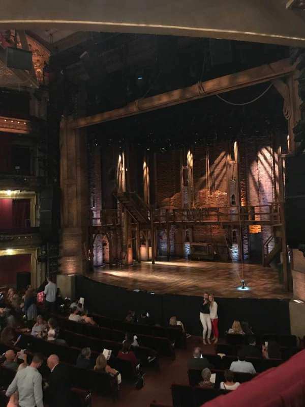 CIBC Theatre, secção: Dress Circle R, fila: A, lugar: 8