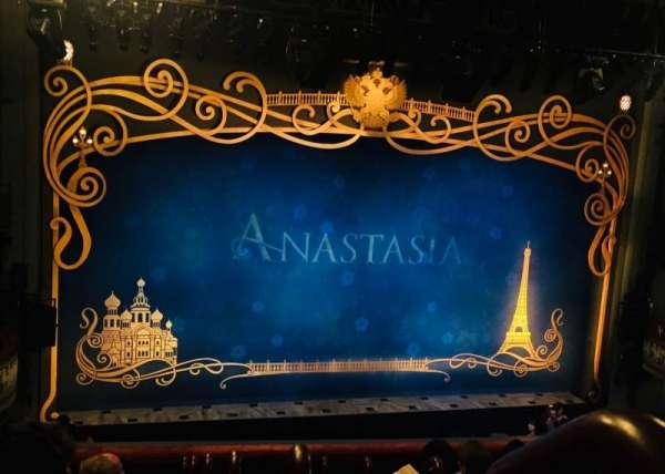 Broadhurst Theatre, secção: Mezzanine L, fila: G, lugar: 1