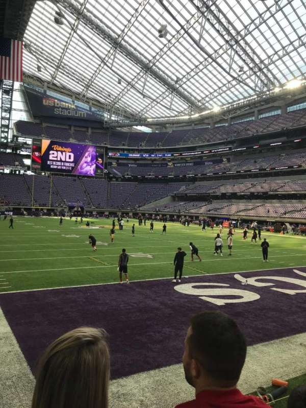 U.S. Bank Stadium, secção: 101, fila: 2, lugar: 8