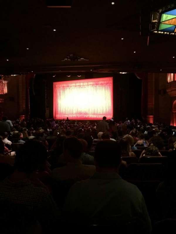 Fox Theatre (Atlanta), secção: Orchestra Right, fila: JJ, lugar: 8, 10, 12, 14