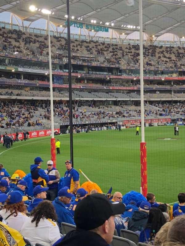 Optus Stadium, secção: 132, fila: 10, lugar: 4