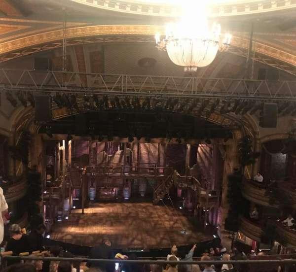 Richard Rodgers Theatre, secção: Rear Mezzanine C, fila: J, lugar: 111