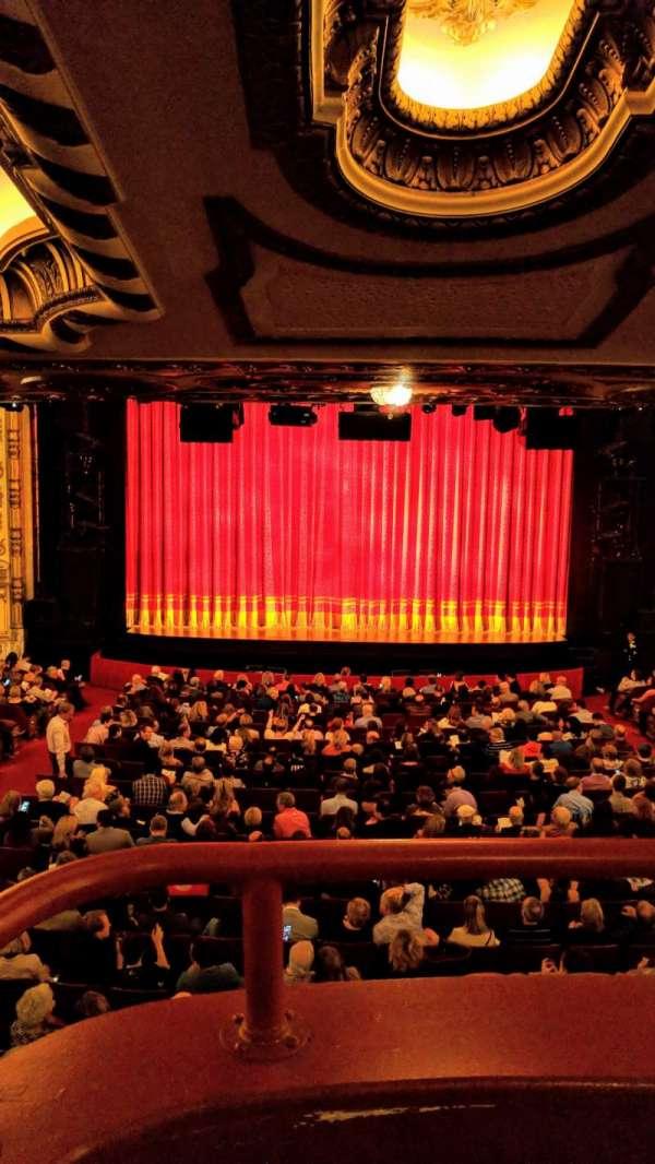 Cadillac Palace Theater, secção: Dress Circle C, fila: A, lugar: 214