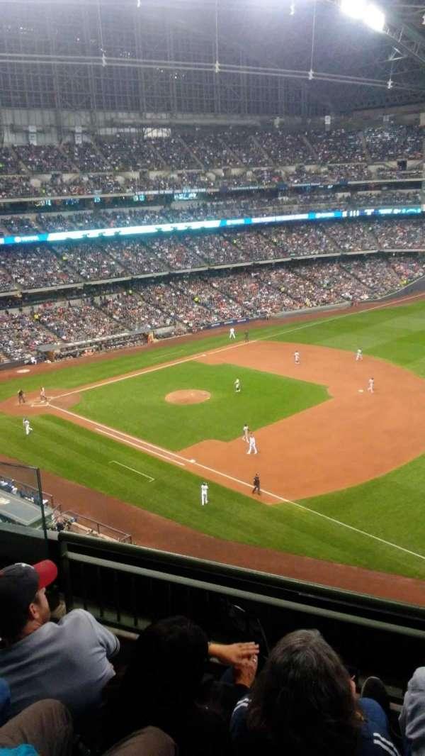 American Family Field, secção: 410, fila: 3, lugar: 5