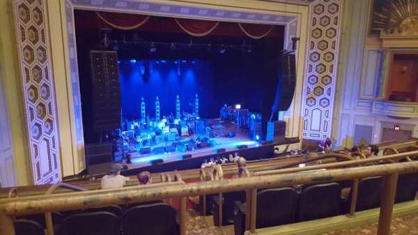 Taft Theatre, secção: Balcony 2, fila: B, lugar: 5