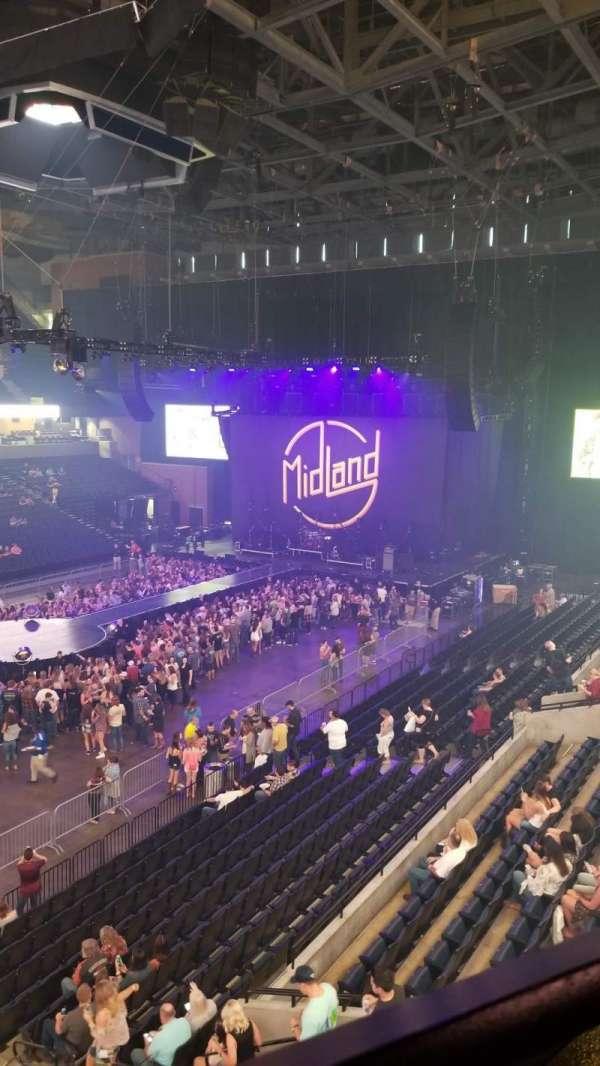 John Paul Jones Arena, secção: 305, fila: A, lugar: 5