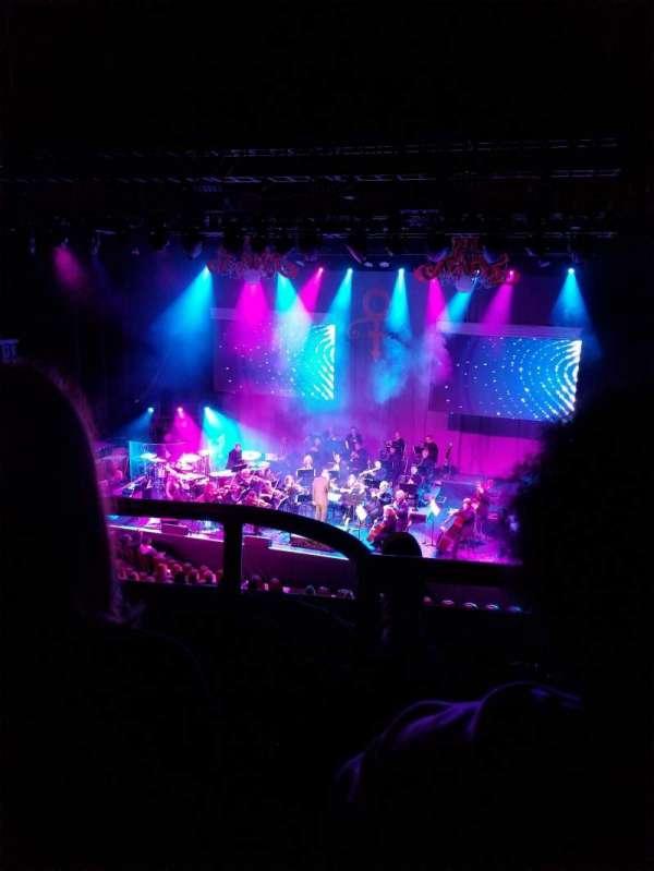 Chicago Theatre, secção: Loge3R, fila: BB, lugar: 308