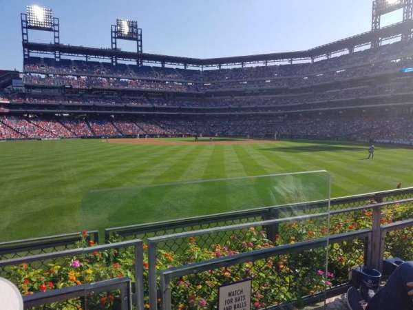 Citizens Bank Park, secção: 146, fila: 2, lugar: 1-3
