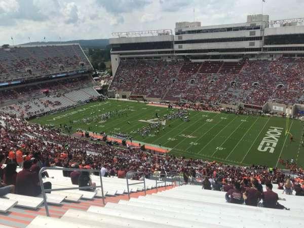 Lane Stadium, secção: 23, fila: 5J, lugar: 10