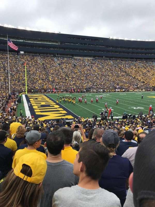 Michigan Stadium, secção: 6, fila: 32, lugar: 12