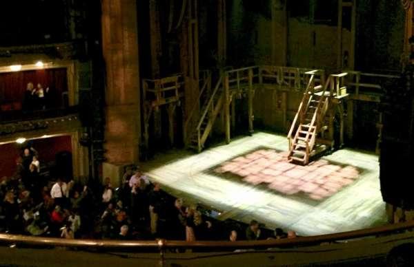 CIBC Theatre, secção: Mezzanine R, fila: d, lugar: 18