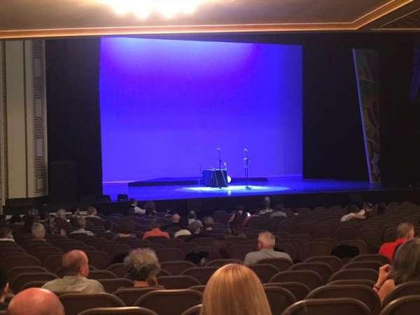 Taft Theatre, secção: Orchestra 2, fila: AA, lugar: 12
