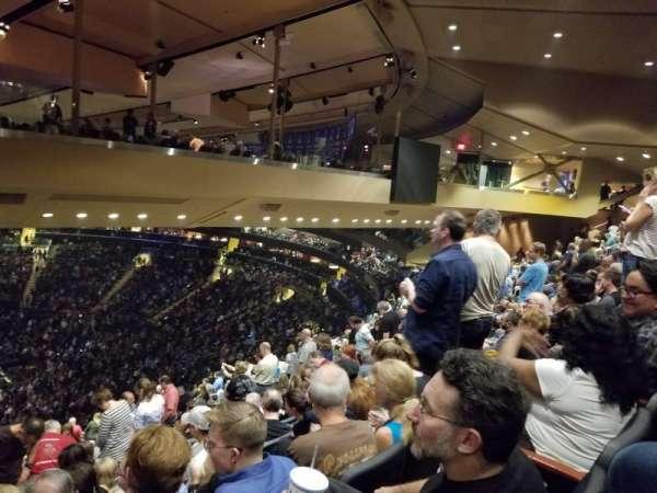 Madison Square Garden, secção: 225, fila: 19, lugar: 6