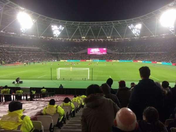 London Stadium, secção: 124, fila: 22, lugar: 519