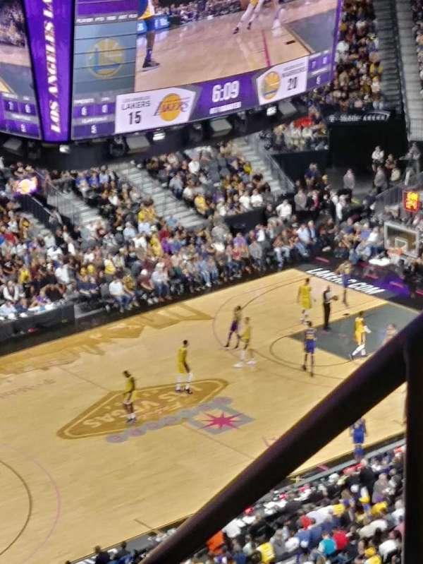 T-Mobile Arena, secção: 219, fila: A, lugar: 13