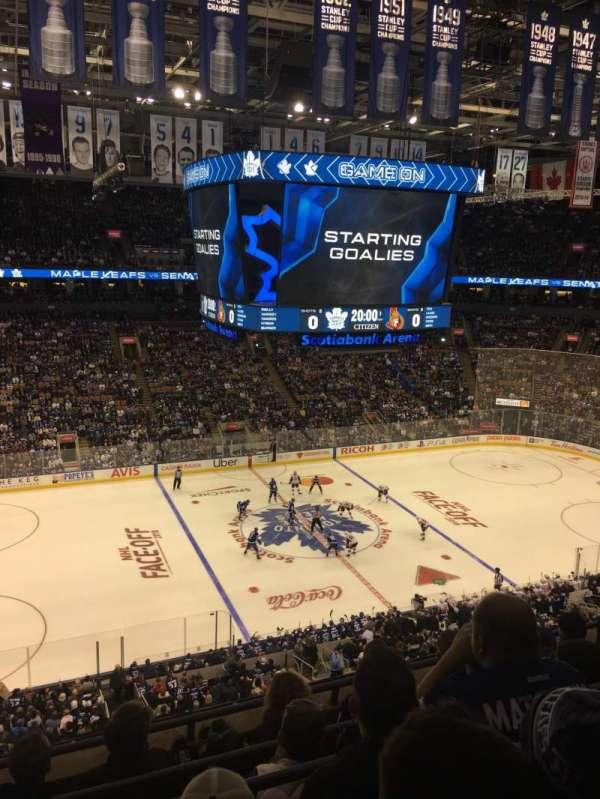 Scotiabank Arena, secção: 322, fila: 5, lugar: 19
