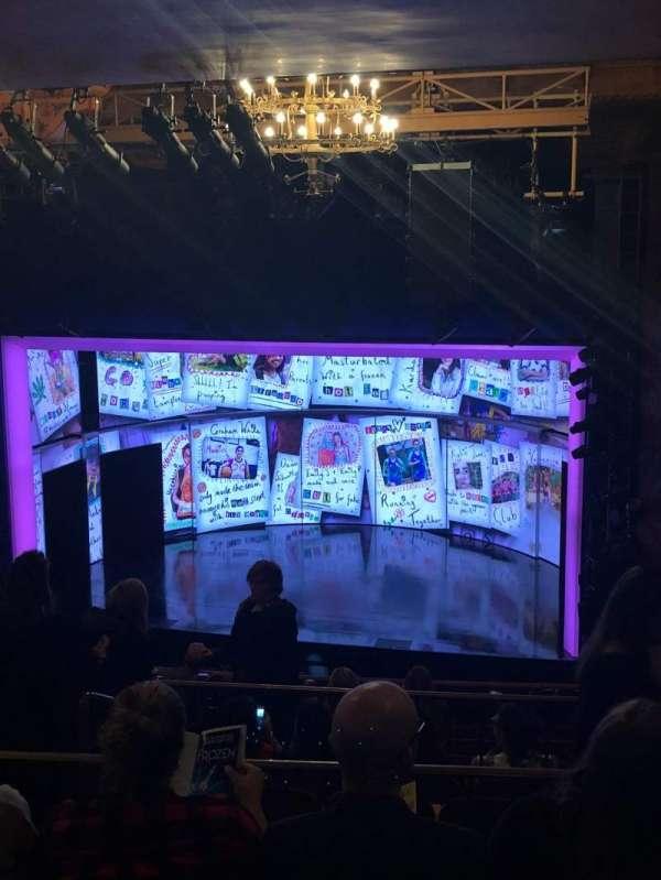 August Wilson Theatre, secção: Mezzanine R, fila: L, lugar: 12