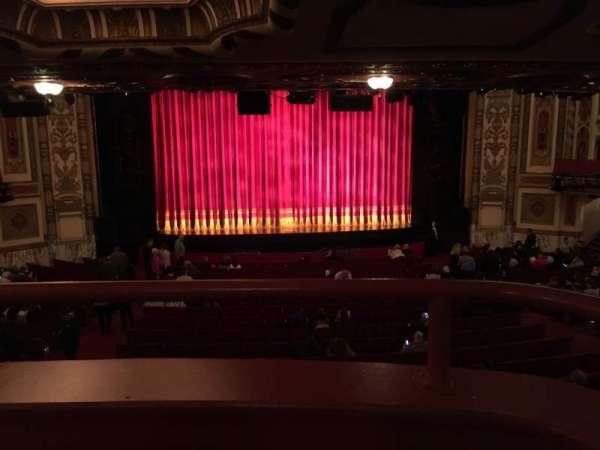 Cadillac Palace Theater, secção: Dress Circle C, fila: A, lugar: 212