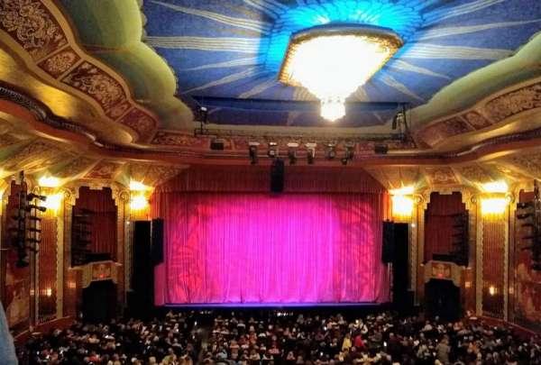 Paramount Theatre (Aurora), secção: Balcony, fila: DDD, lugar: 102