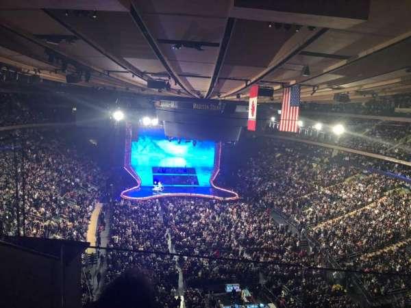 Madison Square Garden, secção: 304, fila: 2, lugar: 2