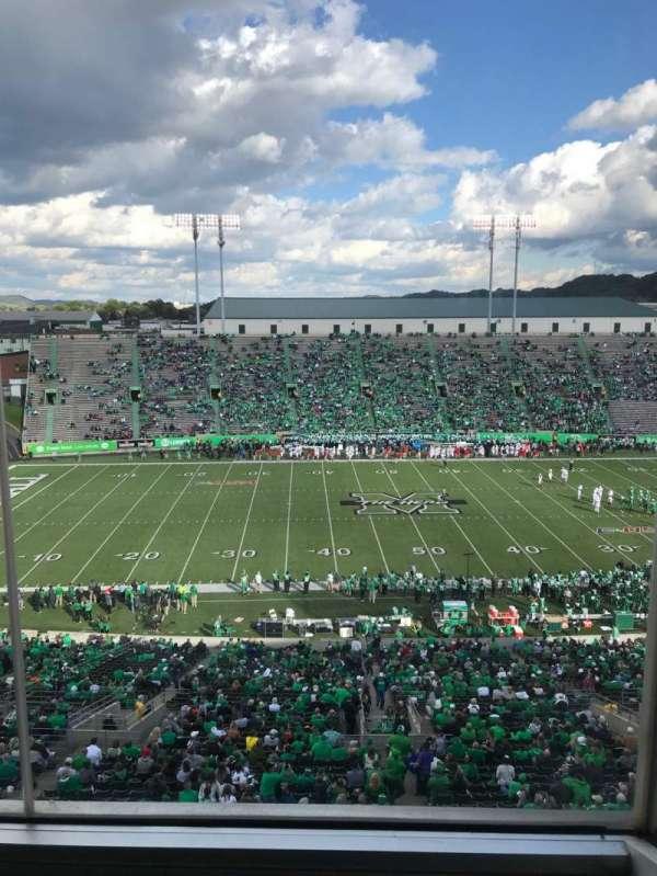 Joan C. Edwards Stadium, secção: 405, fila: 1, lugar: 4
